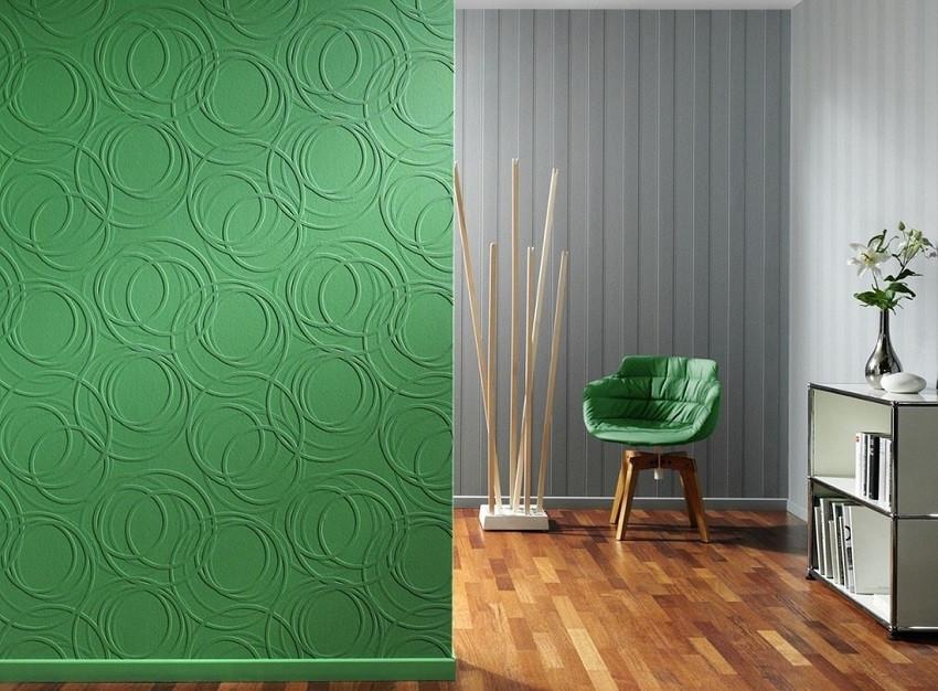 покрашенные обои резиновой краской в зеленый и серый цвет