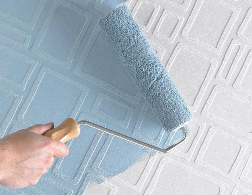 резиновой краской супер декор покрашен пенополистирол в голубой цвет