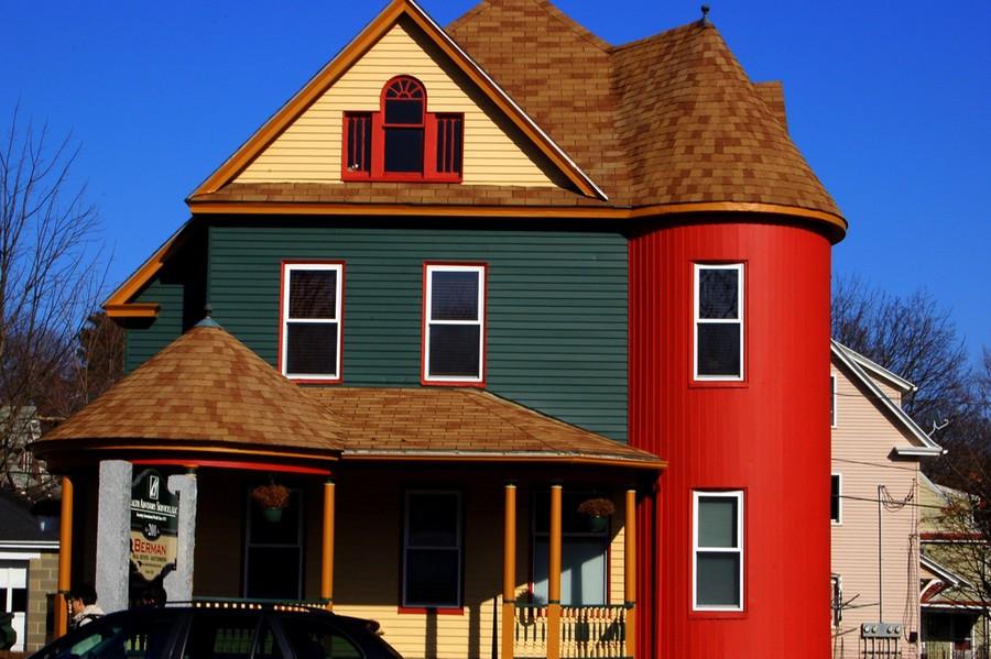 покрашенный фасад резиновой краской Супер Декор