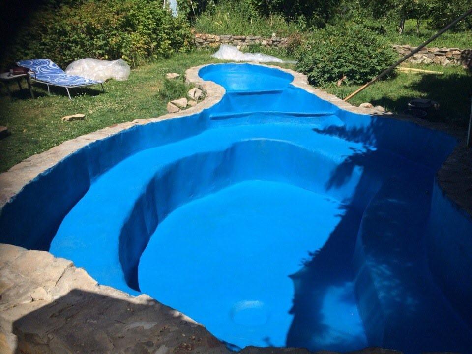 Бассейн покрашенный резиновой краской