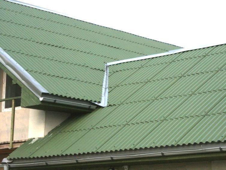 шиферная крыша покрашена резиновой краской супер декор в зелёный цвет