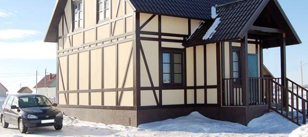 дом из ЦСП покрашен резиновой краской супер декор раббер