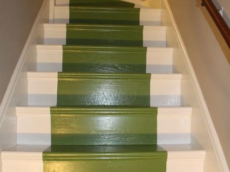 Краска для лестницы. Как правильно и какой краской покрасить лестницу?