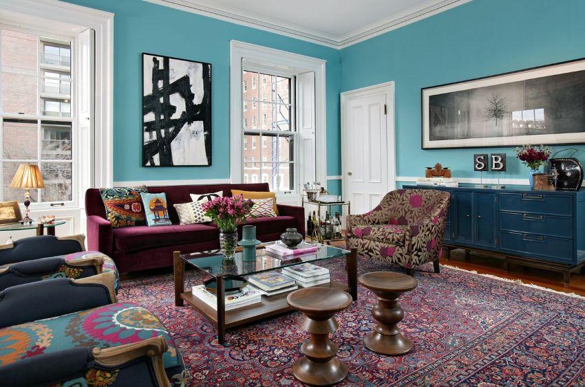 покрашенные стены резиновой краской  в синий цвет