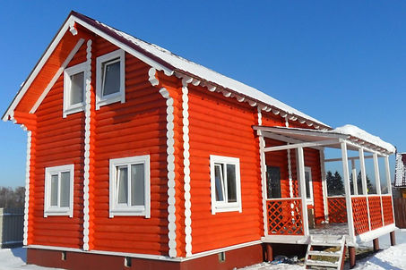 дом покрашен резиновой краской Super Decor цветом №11 Оранжевое лето
