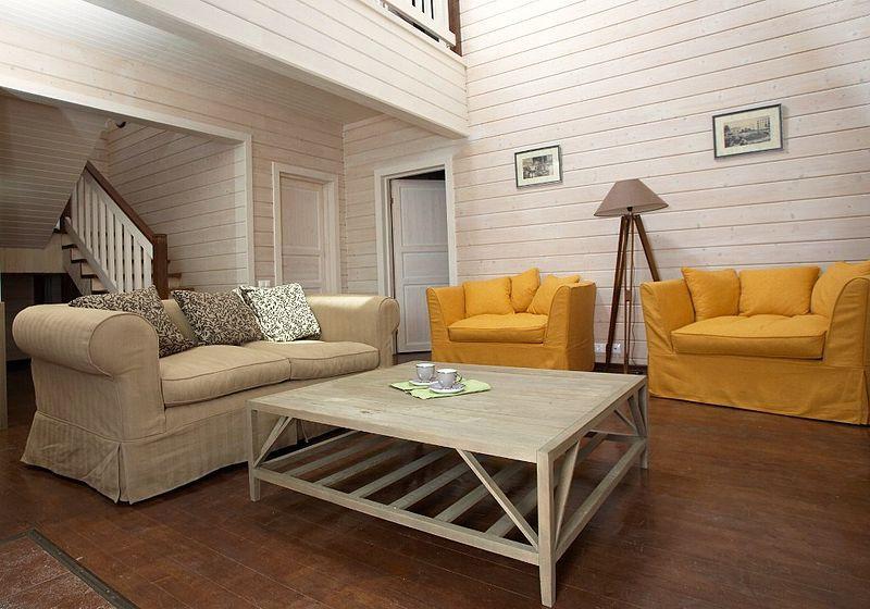 резиновая краска супер декор для деревянных панелей