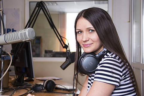 Ведущая, DJ радио Сибирь Арина Иванова Отличныеребята.рф. Отличные ребята.