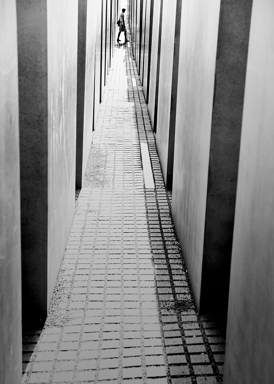 Labyrinth exploring