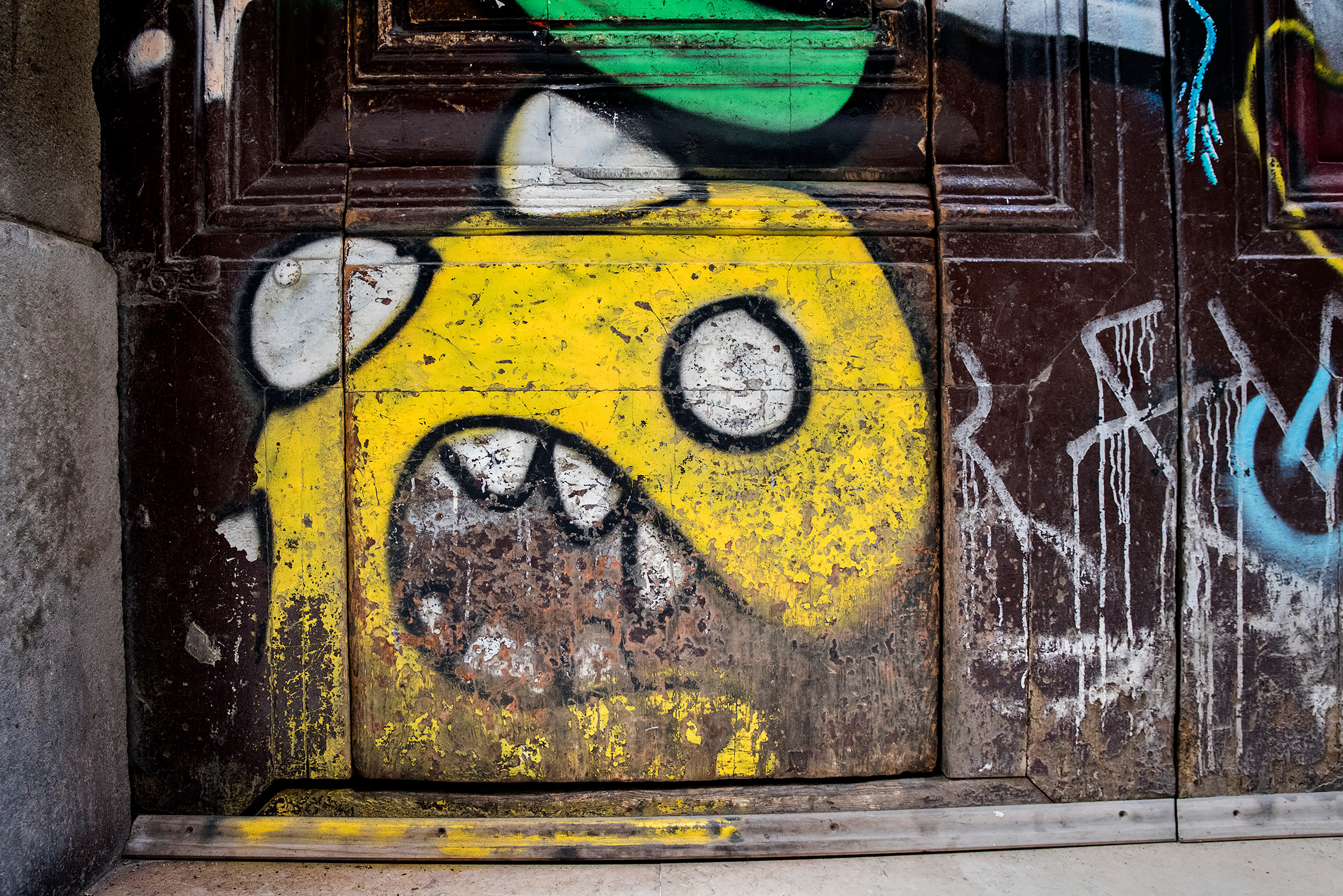 Yellow doormonster