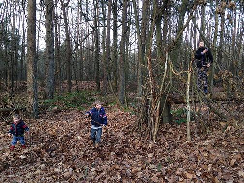 Hutten bouwen, building dens, Gingerbread Huis