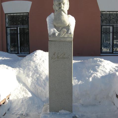 Памятник Яковенко В.И. 2013 г..JPG