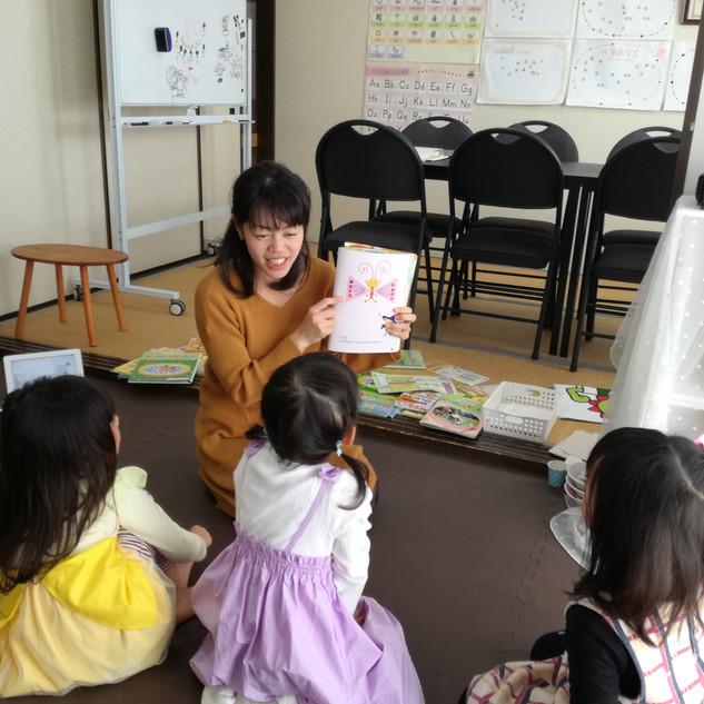 幼児クラス読み聞かせ