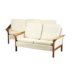Conjunto de sofás pau santo