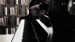 La pianista con le dita d'inchiostro