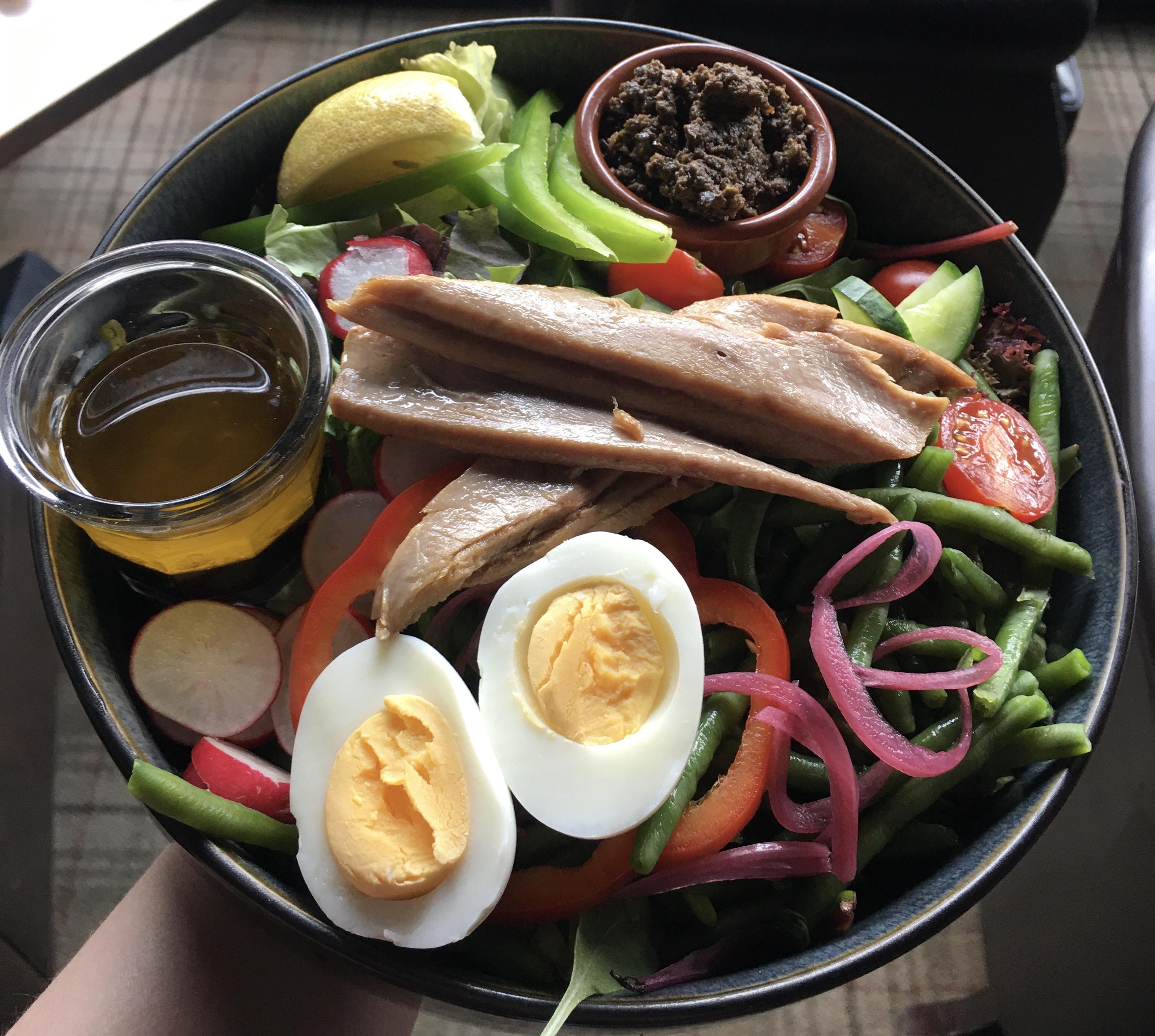 Salade niçoise à la ventrèche de thon