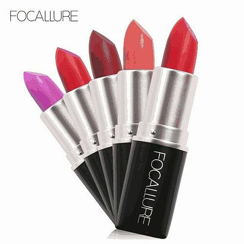 Bullet matte lipstick