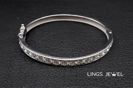 Round Diamond Bracelet.jpg