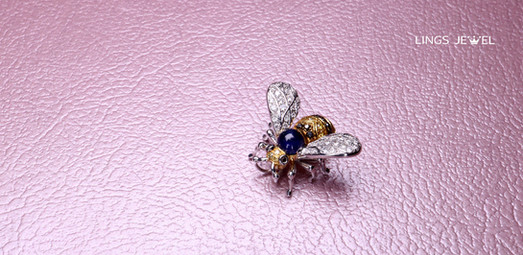 Bee Diamond Pendant.jpg
