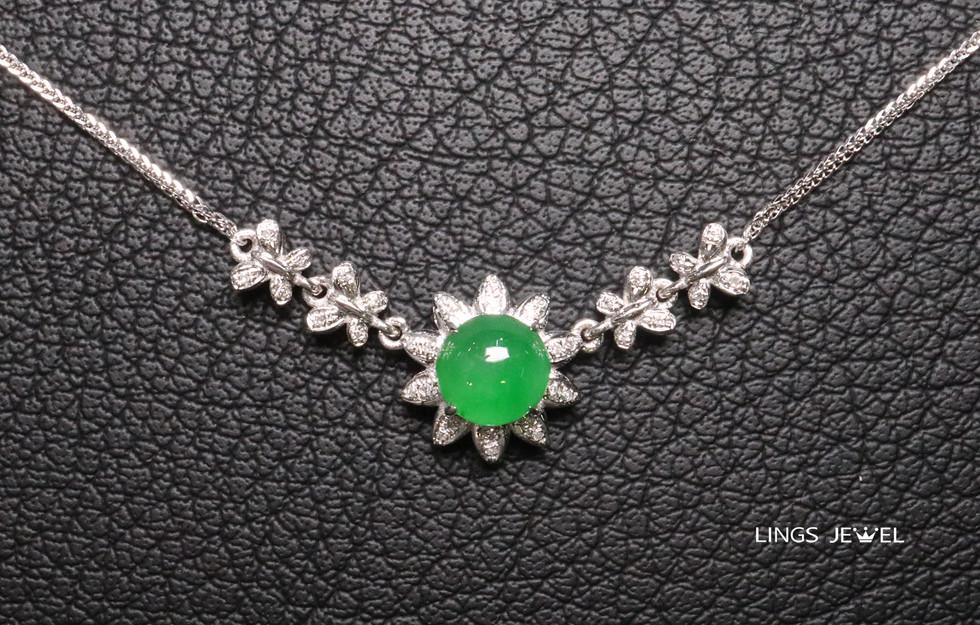 butterfly cap jade pendent.jpg