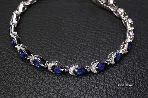 moon shape sapphire bracelet.jpg