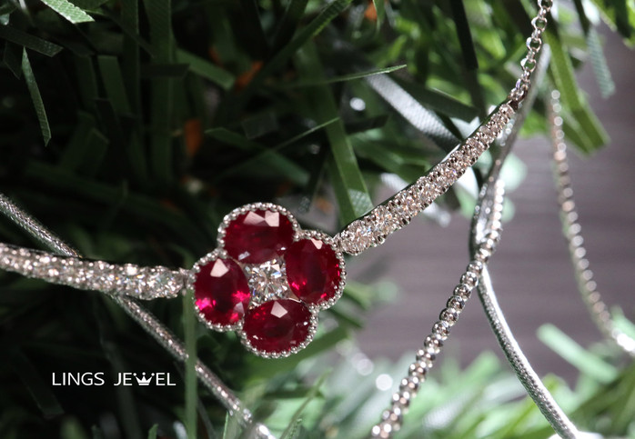 four leaf clover Ruby pendent 1220 B.jpg