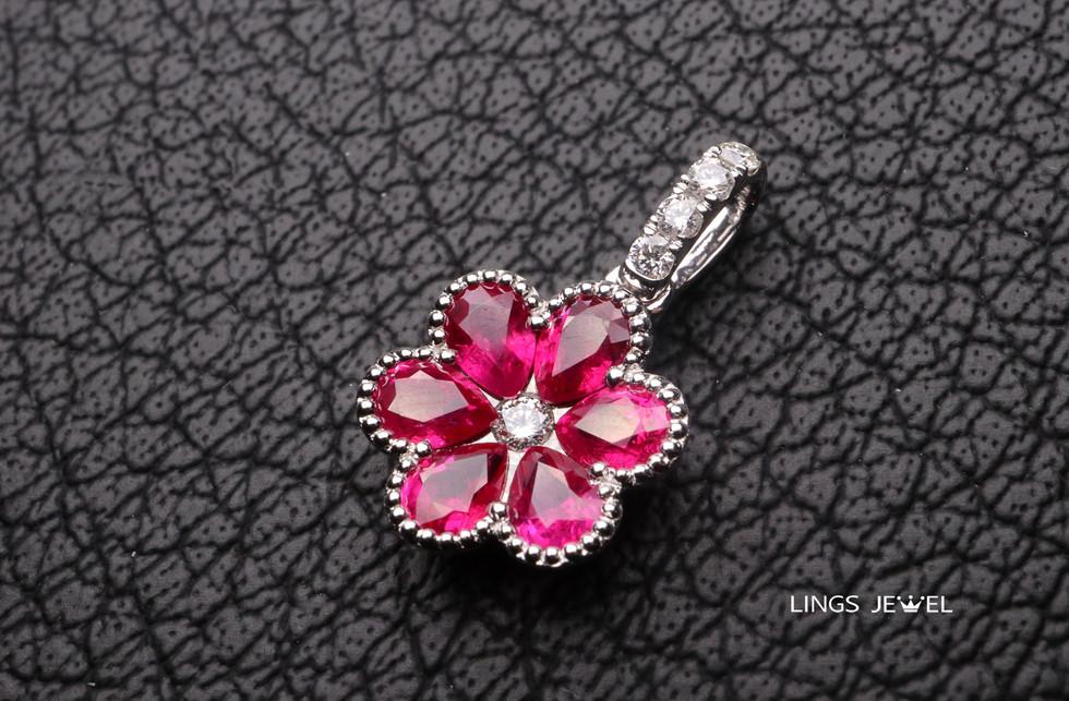 flower shape ruby pendent.jpg