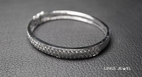 3 carat 4 diamond bracelet 3.jpg
