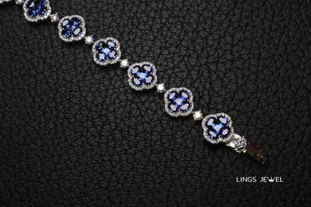 Four leaf clover sapphire bracelet 2.jpg
