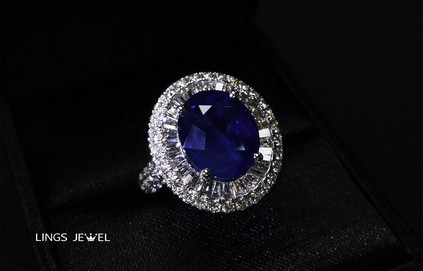 10 carat Vivid Royal blue sapphire ring 2.jpg