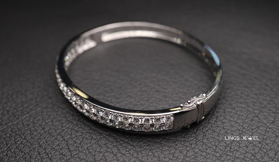 4.4 carat Diamond Bracelet.jpg