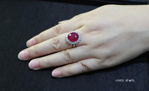 8ct Ruby Ring 2.jpg