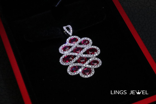 Large size Rubby 888 Pendent.jpg
