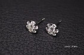 Round Shape Diamond Ear Ring.jpg