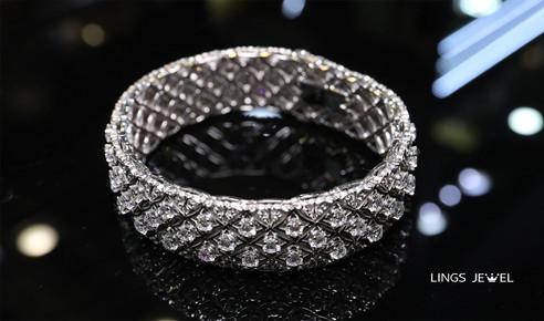 Star shape 6 carat Diamond Bracelet 2.jp