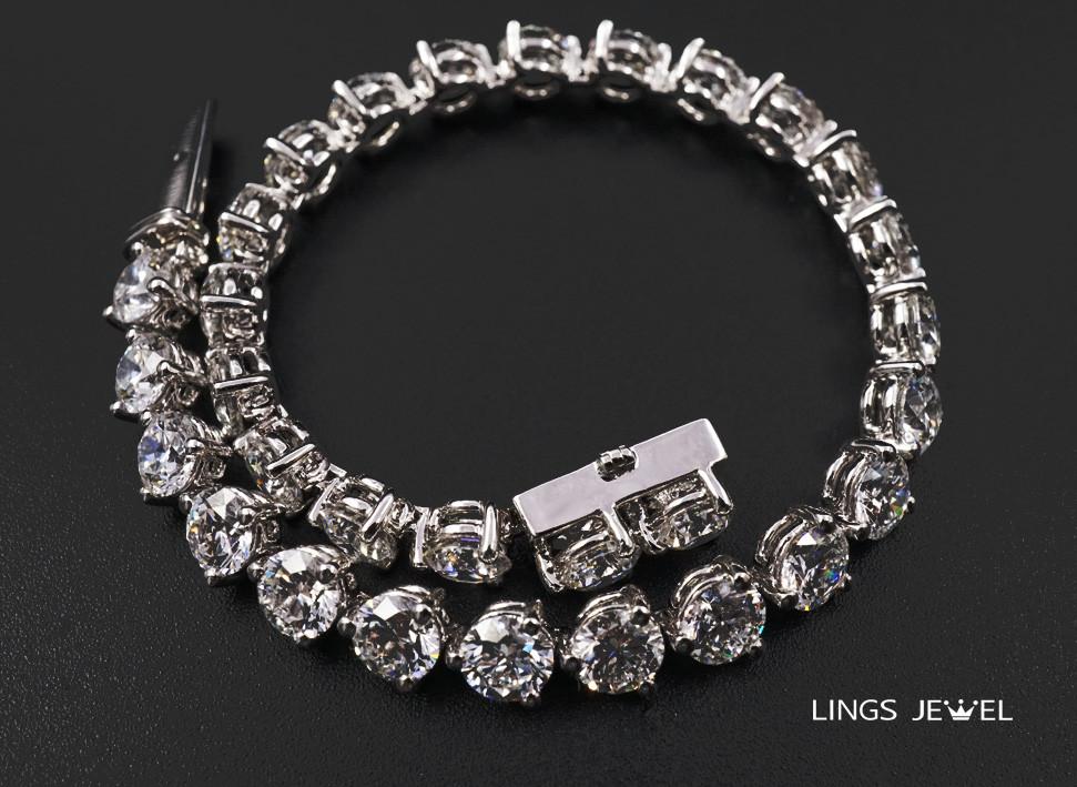12CT D Color diamond Bracelet.jpg