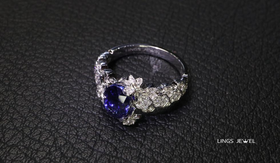 non heated 2 carat royal blue Ring 4.jpg