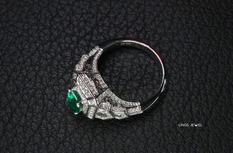 Emerald Ring 0820c.jpg