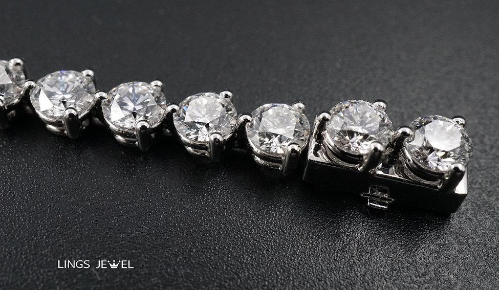 12 carat d color bracelet 3.jpg