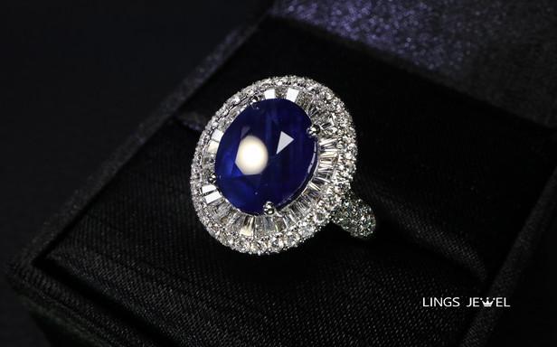 10 carat Vivid Royal blue sapphire ring.jpg
