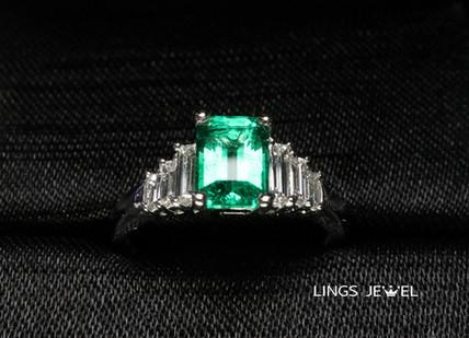 Emerald ring 2104.jpg