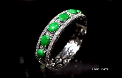 13 carat diamond jade bracelet 2.jpg