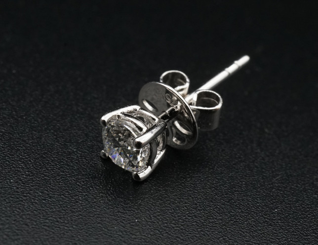 Diamond Ear Ring 30 D VG x1 top 1.jpg