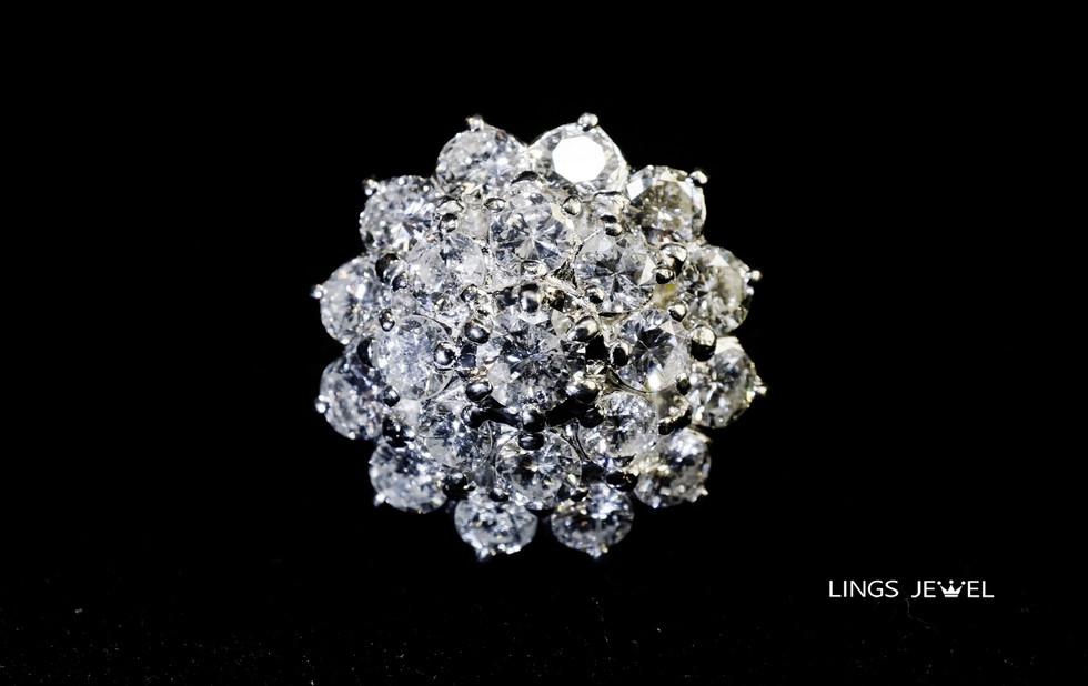 Flower shape diamond Ring.jpg