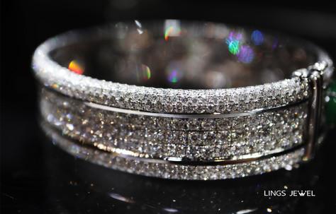 13 carat diamond jade bracelet 5.jpg