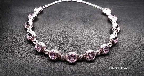 Lings Jewel neck lace 2.jpg