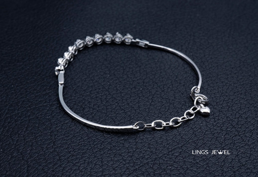 Lings Jewel  18K Bracelet 10 DIamond 2.j