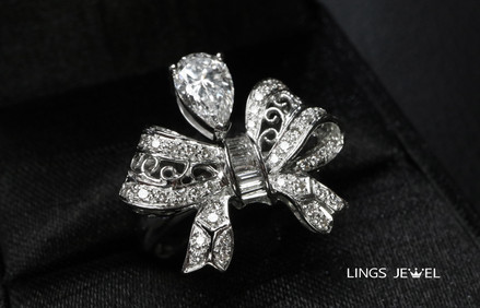 i carat pear diamond Butterly tie ring.j