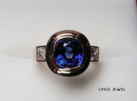 3.6 ct GRS Royal Vivid Blue Sapphire ring 3.jpg