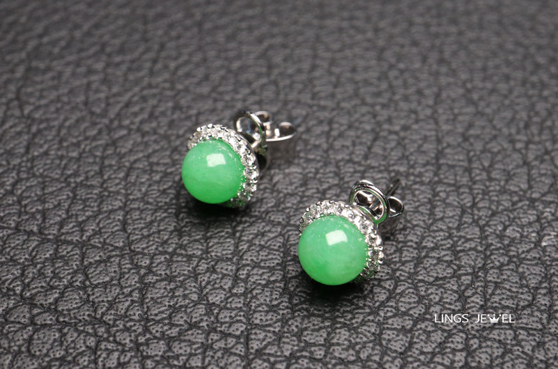 ball shape jade earrings.jpg