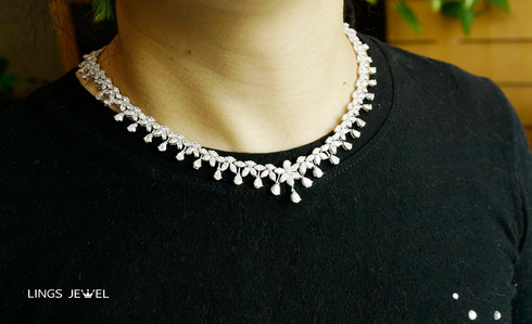 10 carat Marquise diamod Necklace.jpg